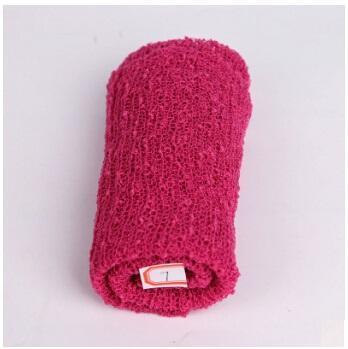 Couverture tricot avec capuchon pour bébés