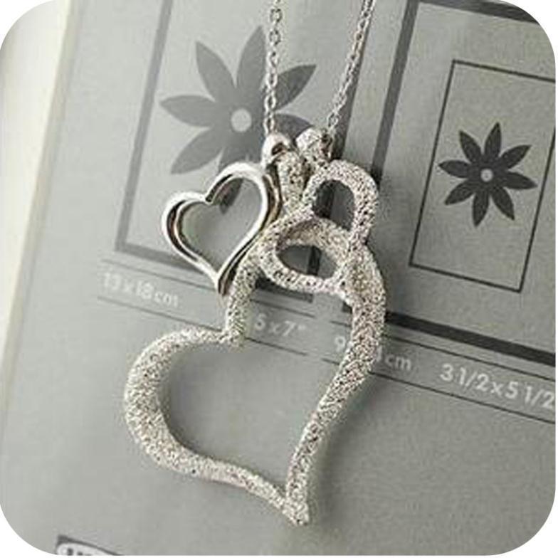 Collier triple coeur pour femmes