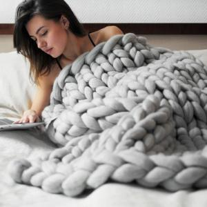 Couverture en Laine tricotée à la main