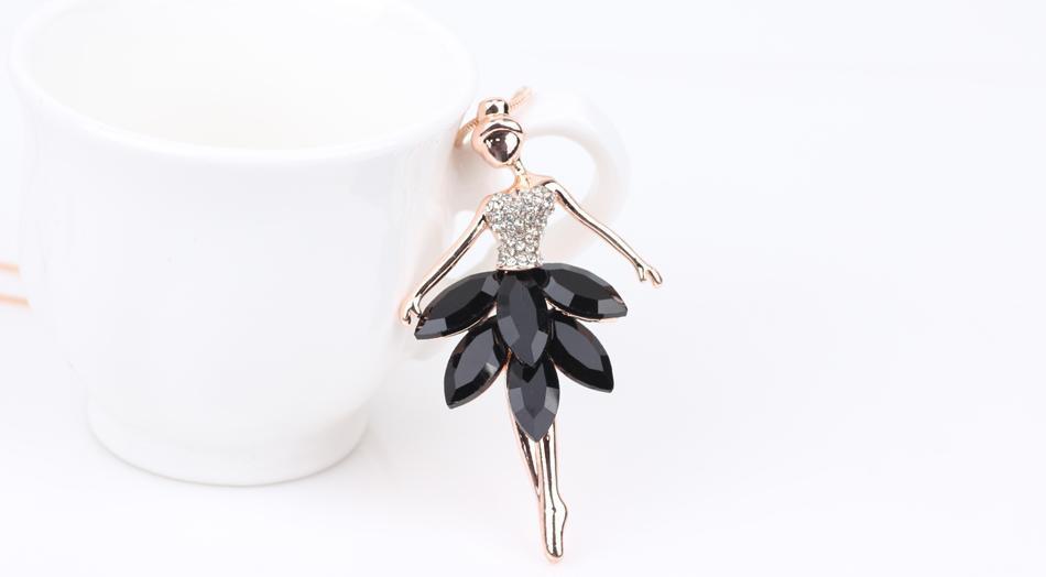 Pendentif en forme de danseuse de ballet