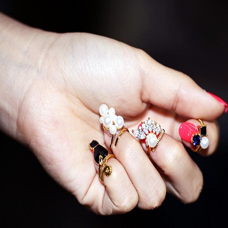 Jolies bagues pour ongles ( 4pièces)
