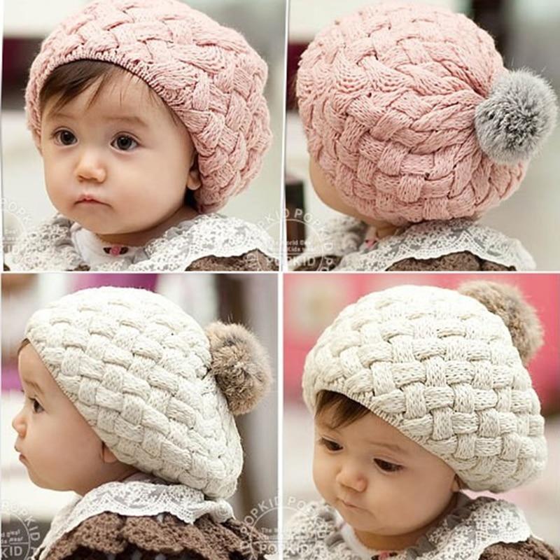 Cute bonnet tricoté pour bébé