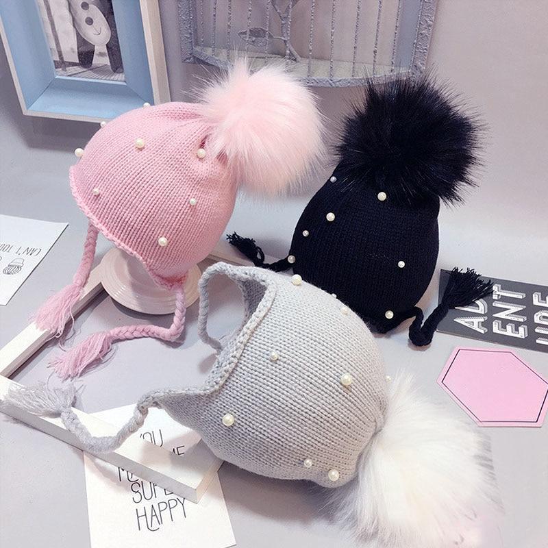 Bonnet Tricoté avec pompon & Perles