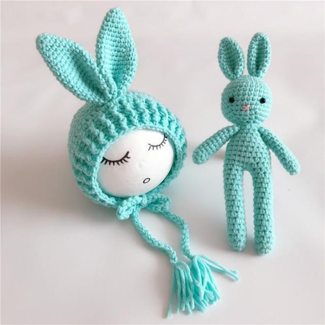 Bonnet tricoté & doudou bébé
