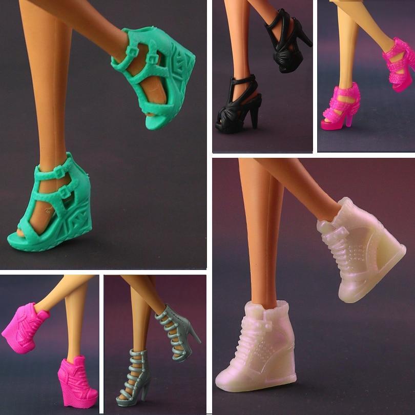 Chaussures pour poupée barbie