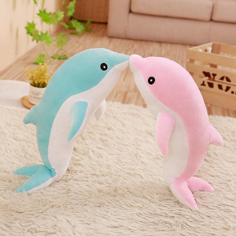 Cute peluche dauphin